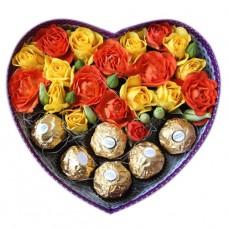 Коробочка в форме сердца с конфетами Ferrero Rocher